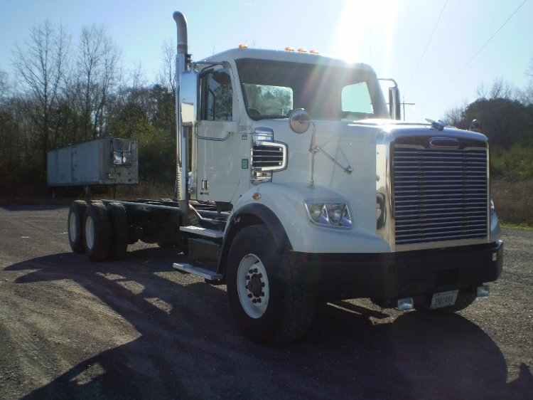 Cab and Chassis Truck-Light and Medium Duty Trucks-Freightliner-2011-CORONADO-BOAZ-AL-282,228 miles-$63,250