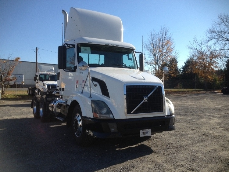 Day Cab Tractor-Heavy Duty Tractors-Volvo-2012-VNL64T300-WEST COLUMBIA-SC-364,593 miles-$35,250