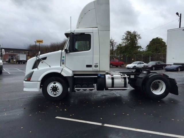 Day Cab Tractor-Heavy Duty Tractors-Volvo-2012-VNL42300-TUSCALOOSA-AL-641,313 miles-$22,000