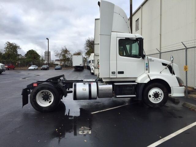 Day Cab Tractor-Heavy Duty Tractors-Volvo-2012-VNL42300-TUSCALOOSA-AL-709,876 miles-$22,000