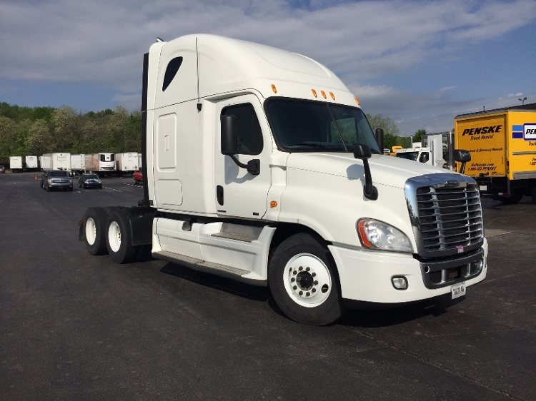 Sleeper Tractor-Heavy Duty Tractors-Freightliner-2012-Cascadia 12564ST-LOUISVILLE-KY-609,372 miles-$37,000