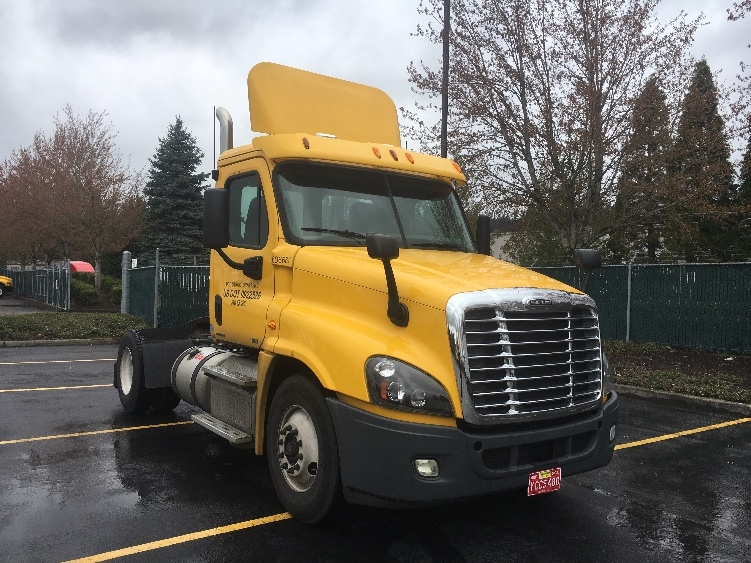 Day Cab Tractor-Heavy Duty Tractors-Freightliner-2012-Cascadia 12542ST-CLACKAMAS-OR-114,024 miles-$46,000