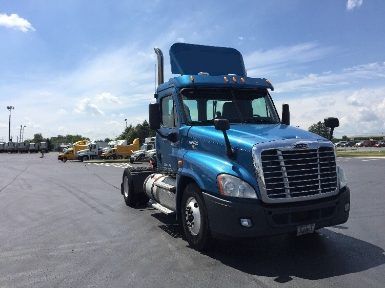 Day Cab Tractor-Heavy Duty Tractors-Freightliner-2012-Cascadia 12542ST-ALLENTOWN-PA-545,042 miles-$23,750