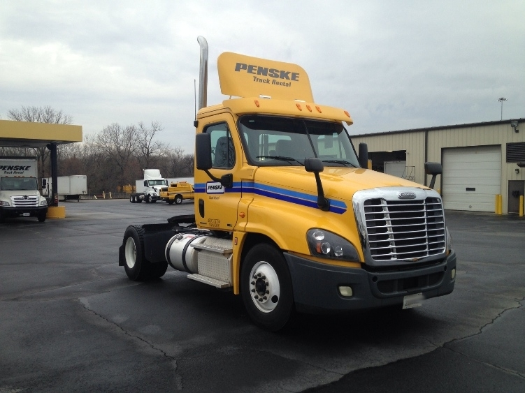 Day Cab Tractor-Heavy Duty Tractors-Freightliner-2012-Cascadia 12542ST-CONYERS-GA-358,743 miles-$39,500