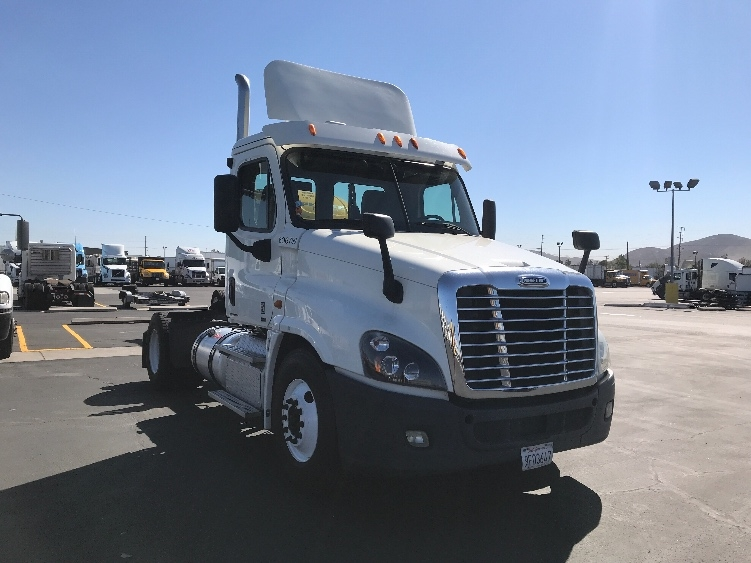 Day Cab Tractor-Heavy Duty Tractors-Freightliner-2012-Cascadia 12542ST-FONTANA-CA-288,702 miles-$42,500