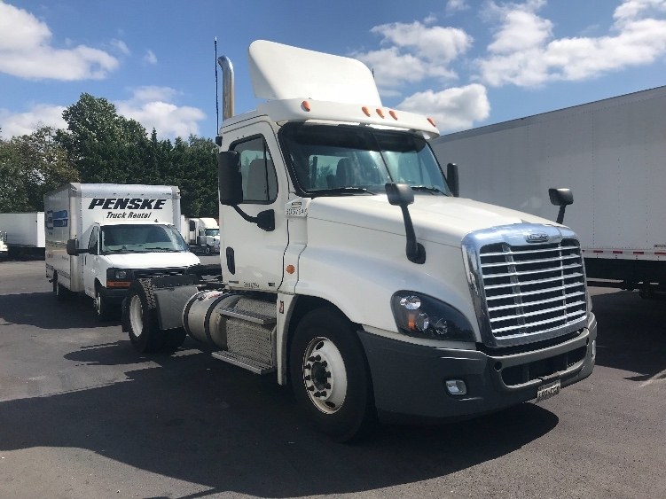 Day Cab Tractor-Heavy Duty Tractors-Freightliner-2012-Cascadia 12542ST-CAPITOL HEIGHTS-MD-497,452 miles-$29,750