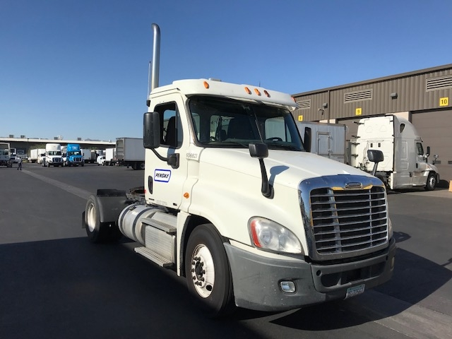 Day Cab Tractor-Heavy Duty Tractors-Freightliner-2012-Cascadia 12542ST-PHOENIX-AZ-651,919 miles-$24,500