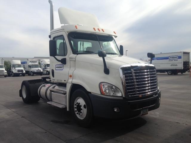 Day Cab Tractor-Heavy Duty Tractors-Freightliner-2012-Cascadia 12542ST-PHOENIX-AZ-304,344 miles-$55,250