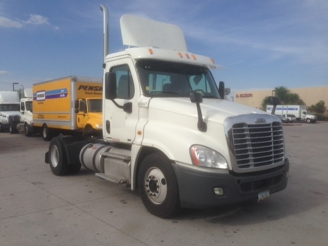 Day Cab Tractor-Heavy Duty Tractors-Freightliner-2012-Cascadia 12542ST-PHOENIX-AZ-316,263 miles-$15,000