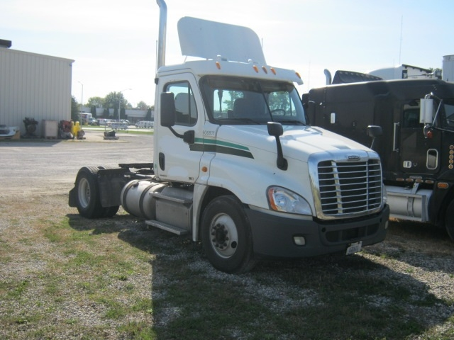 Day Cab Tractor-Heavy Duty Tractors-Freightliner-2012-Cascadia 12542ST-FORT WAYNE-IN-377,351 miles-$11,000