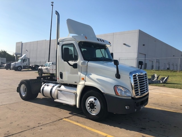 Day Cab Tractor-Heavy Duty Tractors-Freightliner-2012-Cascadia 12542ST-GRAND PRAIRIE-TX-213,086 miles-$43,000