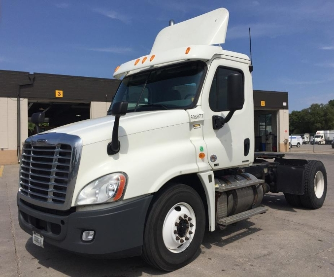 Day Cab Tractor-Heavy Duty Tractors-Freightliner-2012-Cascadia 12542ST-DES MOINES-IA-492,405 miles-$34,500