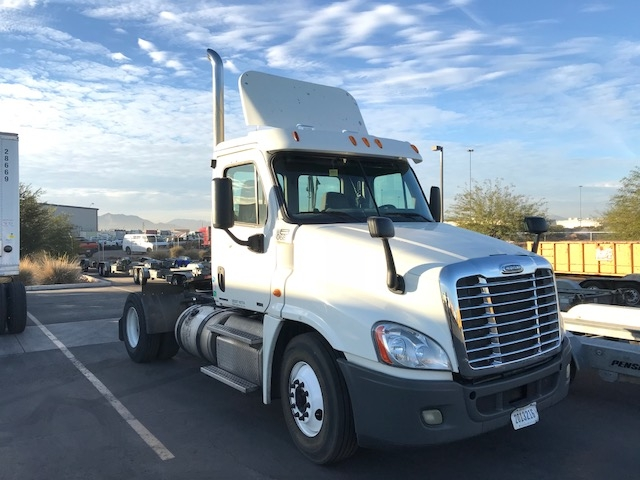 Day Cab Tractor-Heavy Duty Tractors-Freightliner-2012-Cascadia 12542ST-PHOENIX-AZ-705,965 miles-$26,500