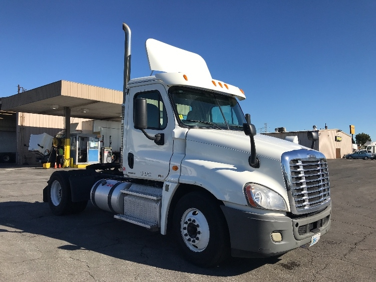 Day Cab Tractor-Heavy Duty Tractors-Freightliner-2012-Cascadia 12542ST-TORRANCE-CA-731,516 miles-$29,500