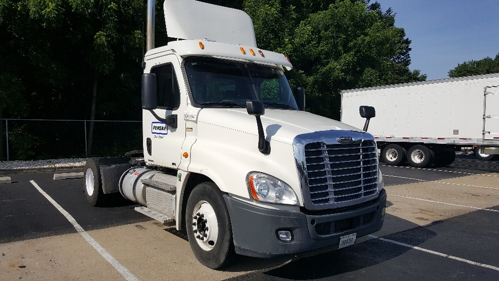 Day Cab Tractor-Heavy Duty Tractors-Freightliner-2012-Cascadia 12542ST-LONDONDERRY-NH-412,165 miles-$42,750