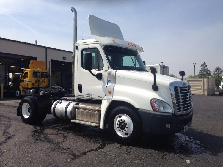 Day Cab Tractor-Heavy Duty Tractors-Freightliner-2012-Cascadia 12542ST-ANDERSON-SC-388,055 miles-$39,000