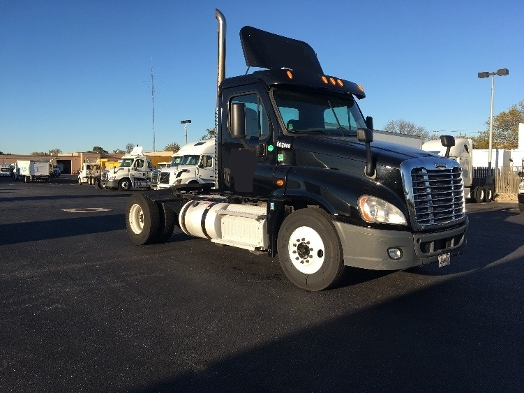 Day Cab Tractor-Heavy Duty Tractors-Freightliner-2012-Cascadia 12542ST-JAMAICA-NY-371,242 miles-$24,500