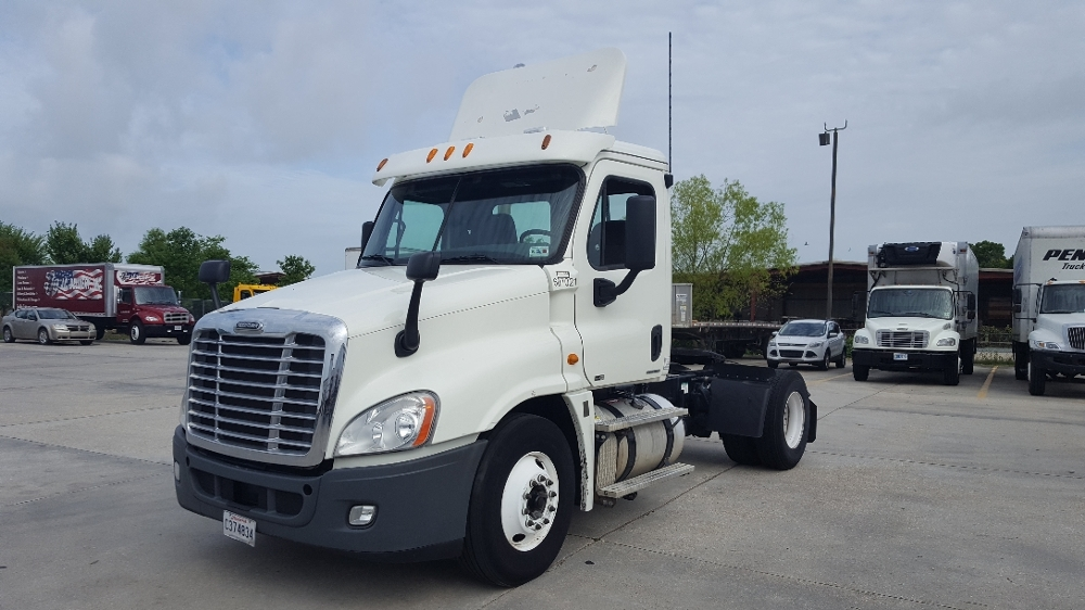 Day Cab Tractor-Heavy Duty Tractors-Freightliner-2012-Cascadia 12542ST-HAMMOND-LA-320,981 miles-$39,250