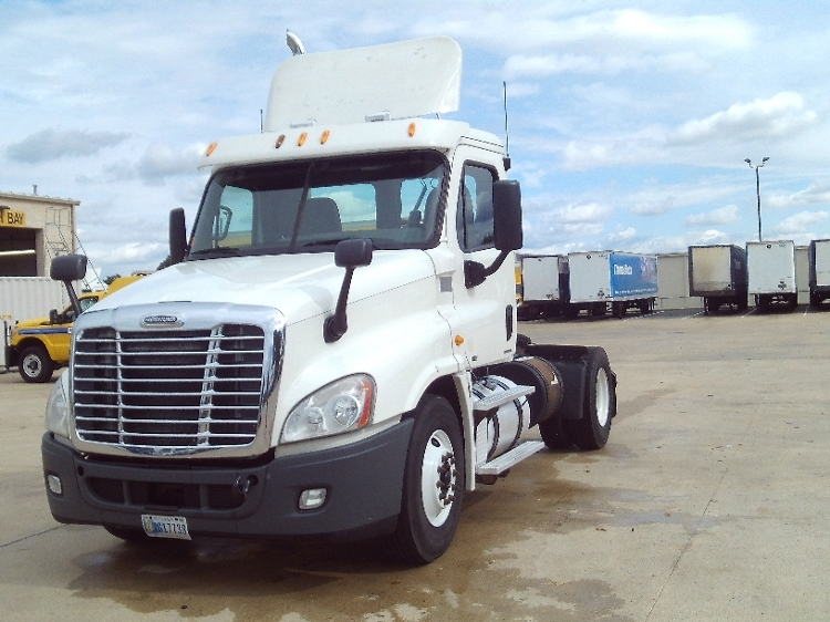 Day Cab Tractor-Heavy Duty Tractors-Freightliner-2012-Cascadia 12542ST-OLIVE BRANCH-MS-692,003 miles-$28,250