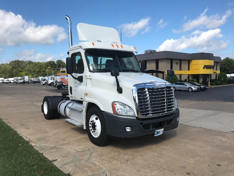 Day Cab Tractor-Heavy Duty Tractors-Freightliner-2012-Cascadia 12542ST-MEMPHIS-TN-289,877 miles-$35,500