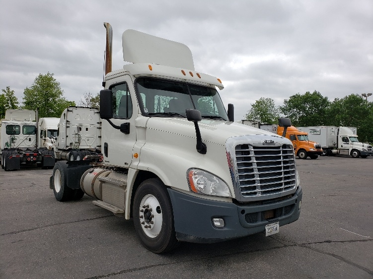 Day Cab Tractor-Heavy Duty Tractors-Freightliner-2012-Cascadia 12542ST-EAGAN-MN-393,020 miles-$28,750