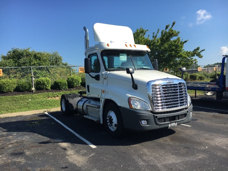 Day Cab Tractor-Heavy Duty Tractors-Freightliner-2012-Cascadia 12542ST-ERLANGER-KY-332,654 miles-$30,500