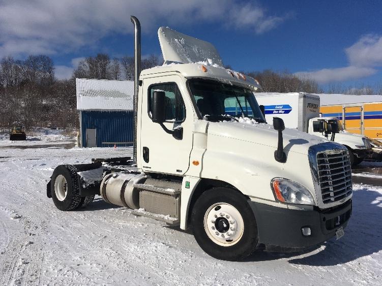 Day Cab Tractor-Heavy Duty Tractors-Freightliner-2012-Cascadia 12542ST-WHITESBORO-NY-326,047 miles-$30,000