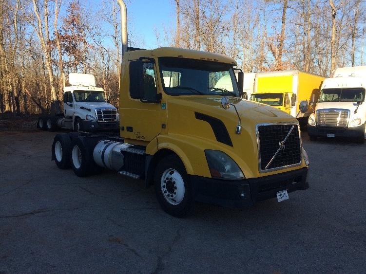 Day Cab Tractor-Heavy Duty Tractors-Volvo-2012-VNL64T300-SPARTANBURG-SC-363,207 miles-$27,500