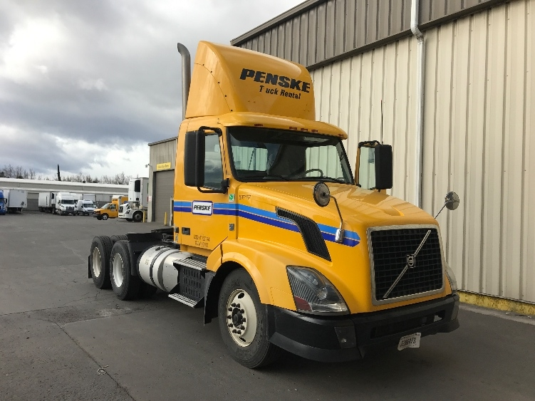 Day Cab Tractor-Heavy Duty Tractors-Volvo-2012-VNL64T300-SPARKS-NV-353,971 miles-$33,250
