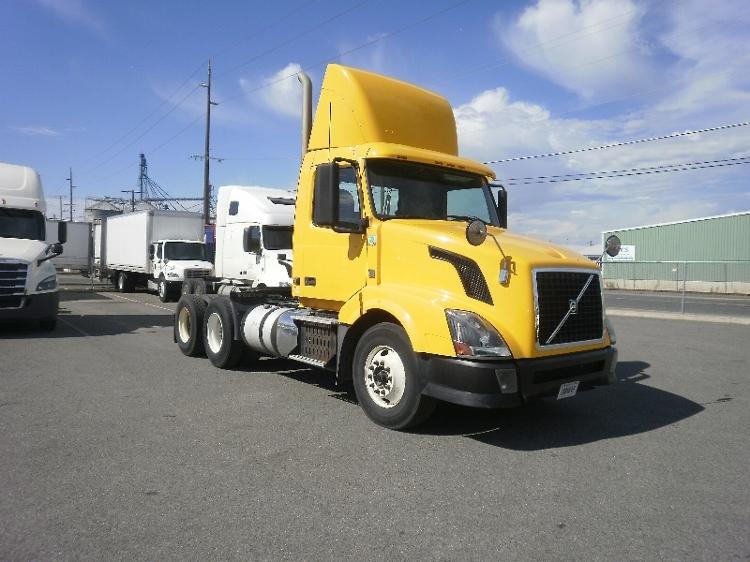 Day Cab Tractor-Heavy Duty Tractors-Volvo-2012-VNL64T300-SPOKANE VALLEY-WA-315,438 miles-$34,250
