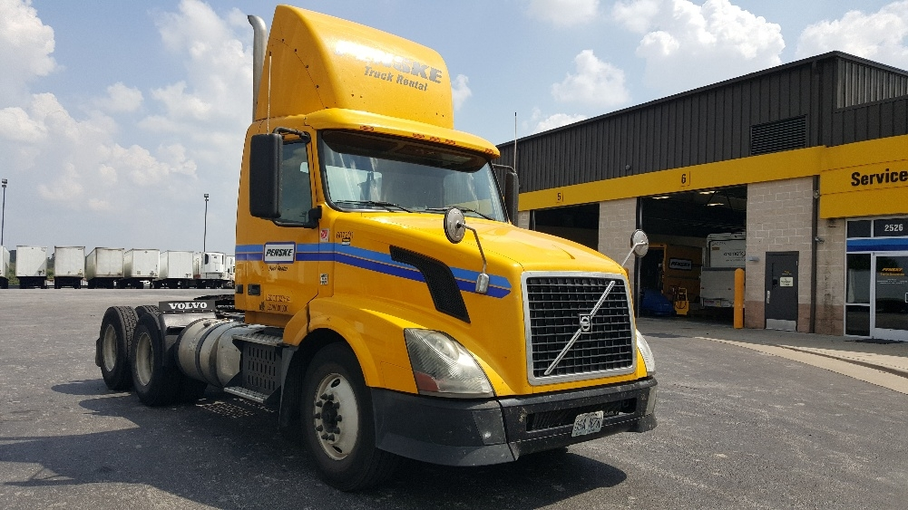Day Cab Tractor-Heavy Duty Tractors-Volvo-2012-VNL64T300-KANSAS CITY-MO-485,263 miles-$32,750