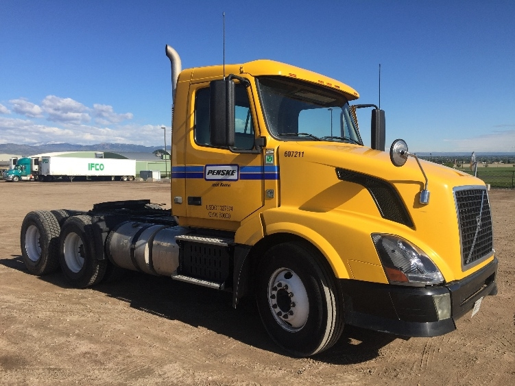 Day Cab Tractor-Heavy Duty Tractors-Volvo-2012-VNL64T300-FORT COLLINS-CO-304,167 miles-$34,500