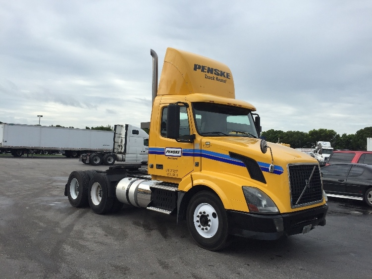Day Cab Tractor-Heavy Duty Tractors-Volvo-2012-VNL64T300-MEDLEY-FL-307,728 miles-$24,750