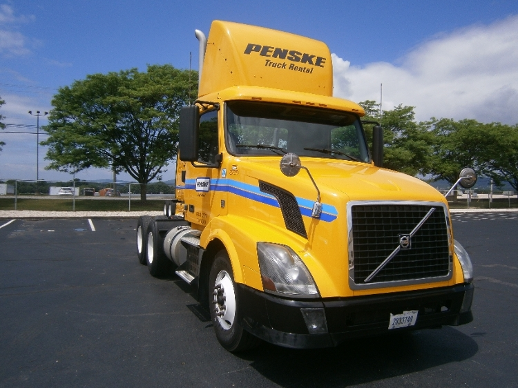 Day Cab Tractor-Heavy Duty Tractors-Volvo-2012-VNL64T300-READING-PA-180,845 miles-$43,250