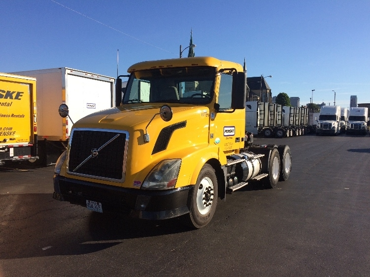 Day Cab Tractor-Heavy Duty Tractors-Volvo-2012-VNL64T300-SAINT LOUIS-MO-297,813 miles-$30,500