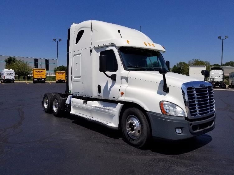 Sleeper Tractor-Heavy Duty Tractors-Freightliner-2012-Cascadia 12564ST-LOUISVILLE-KY-573,615 miles-$40,250