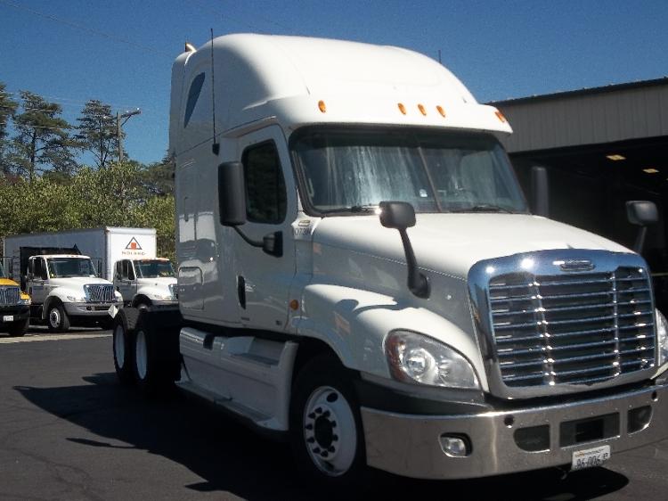 Sleeper Tractor-Heavy Duty Tractors-Freightliner-2012-Cascadia 12564ST-MANASSAS-VA-496,996 miles-$40,750