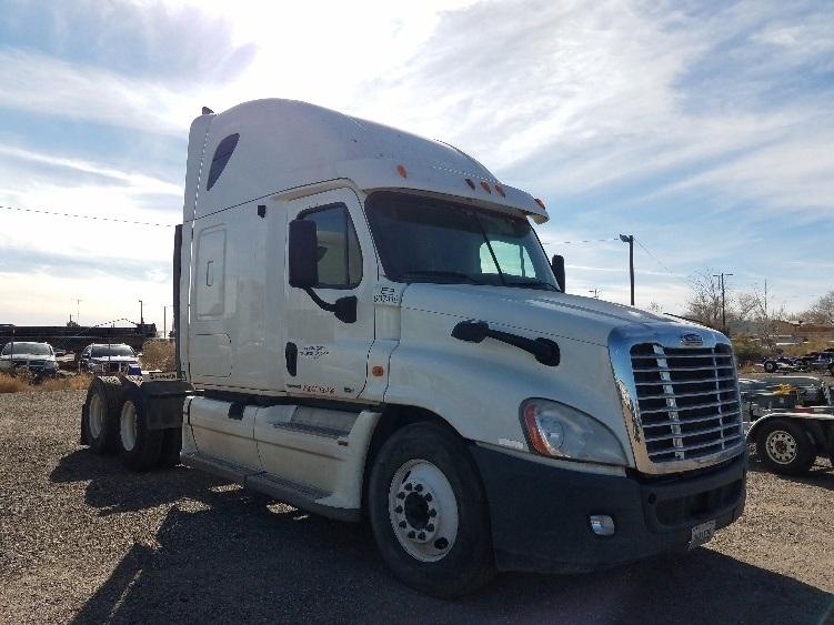 Sleeper Tractor-Heavy Duty Tractors-Freightliner-2012-Cascadia 12564ST-ALBUQUERQUE-NM-555,240 miles-$36,000