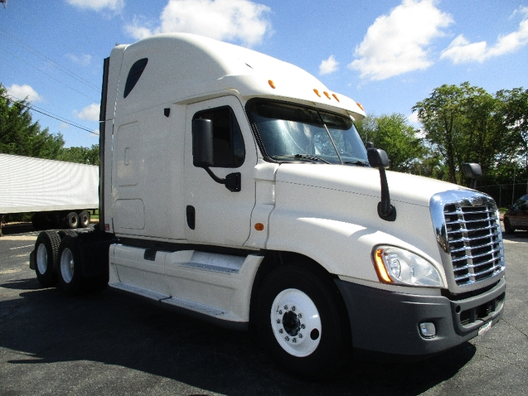 Sleeper Tractor-Heavy Duty Tractors-Freightliner-2012-Cascadia 12564ST-ESSEX-MD-588,227 miles-$40,000