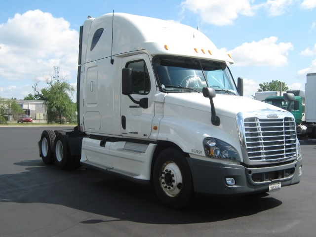 Sleeper Tractor-Heavy Duty Tractors-Freightliner-2012-Cascadia 12564ST-NEW CASTLE-DE-447,545 miles-$44,250