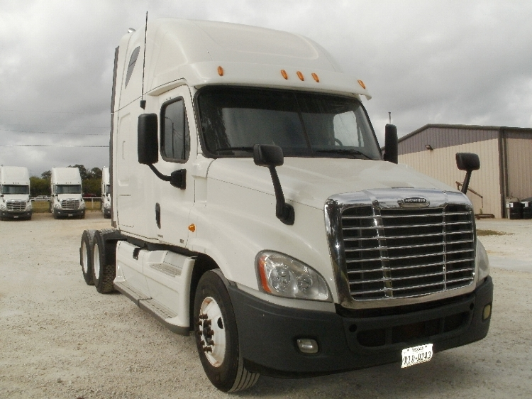 Sleeper Tractor-Heavy Duty Tractors-Freightliner-2012-Cascadia 12564ST-ALVARADO-TX-736,545 miles-$25,750