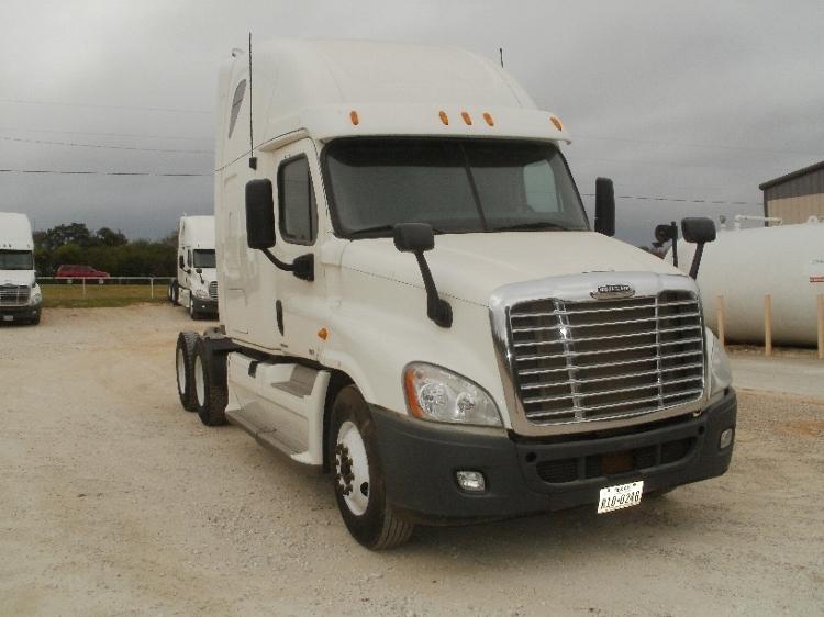 Sleeper Tractor-Heavy Duty Tractors-Freightliner-2012-Cascadia 12564ST-ALVARADO-TX-762,885 miles-$31,000