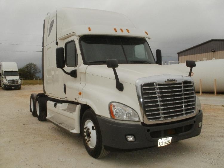 Sleeper Tractor-Heavy Duty Tractors-Freightliner-2012-Cascadia 12564ST-ALVARADO-TX-772,322 miles-$26,250