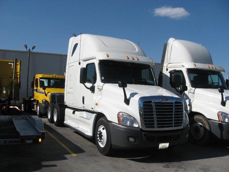 Sleeper Tractor-Heavy Duty Tractors-Freightliner-2012-Cascadia 12564ST-ALLENTOWN-PA-543,514 miles-$37,750