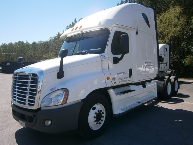 Sleeper Tractor-Heavy Duty Tractors-Freightliner-2012-Cascadia 12564ST-PELL CITY-AL-471,528 miles-$39,750