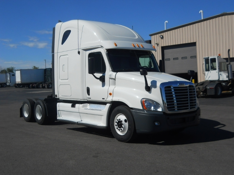 Sleeper Tractor-Heavy Duty Tractors-Freightliner-2012-Cascadia 12564ST-MIDDLEFIELD-OH-381,107 miles-$40,500