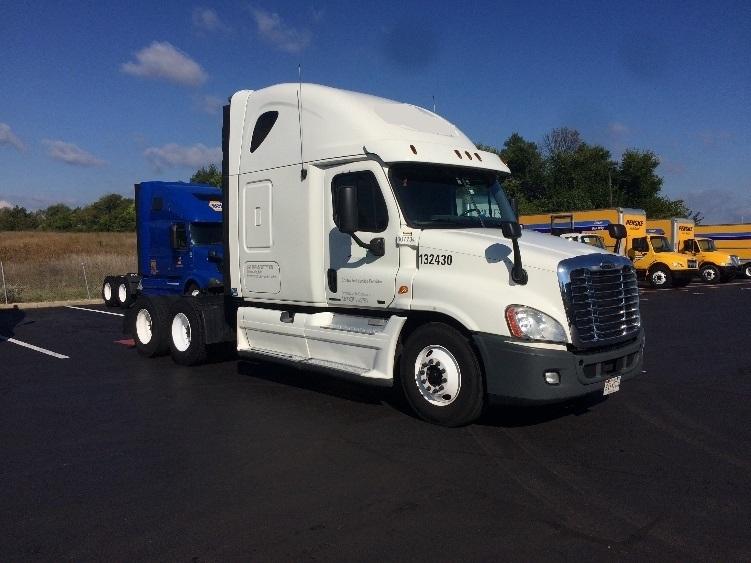 Sleeper Tractor-Heavy Duty Tractors-Freightliner-2012-Cascadia 12564ST-CARLISLE-PA-689,695 miles-$32,250
