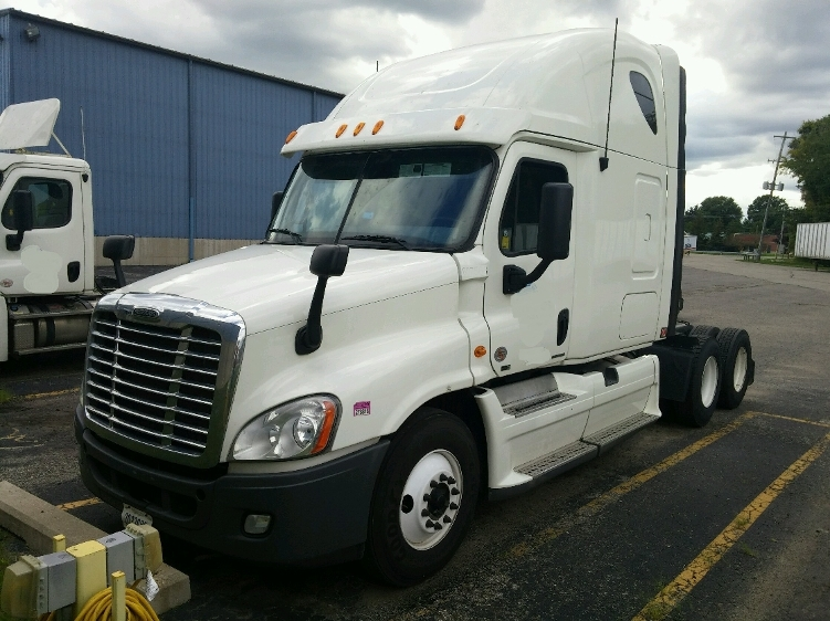 Sleeper Tractor-Heavy Duty Tractors-Freightliner-2012-Cascadia 12564ST-MIDDLEFIELD-OH-490,120 miles-$36,000