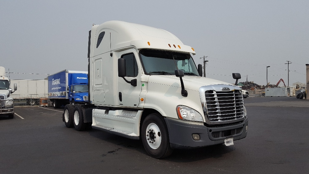 Sleeper Tractor-Heavy Duty Tractors-Freightliner-2012-Cascadia 12564ST-SPOKANE VALLEY-WA-425,024 miles-$41,250