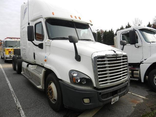 Sleeper Tractor-Heavy Duty Tractors-Freightliner-2012-Cascadia 12564ST-WINSTON SALEM-NC-604,000 miles-$17,000